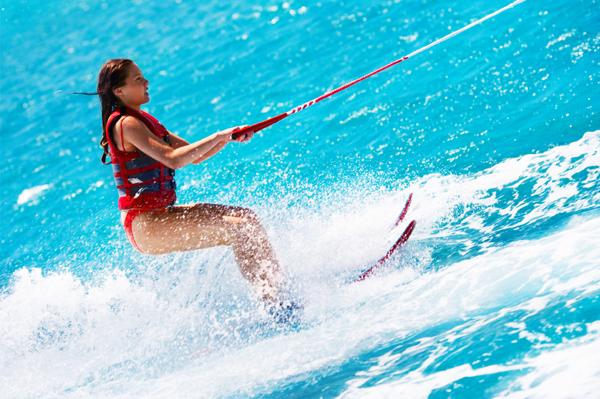https://tahititourisme.de/wp-content/uploads/2017/08/ACTIVITES-NAUTIQUES-Tahiti-WaterSports-Center-3.jpg