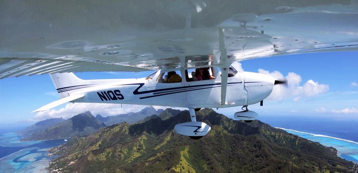 https://tahititourisme.de/wp-content/uploads/2017/08/C3P-Cessna-above-Moorea.jpg