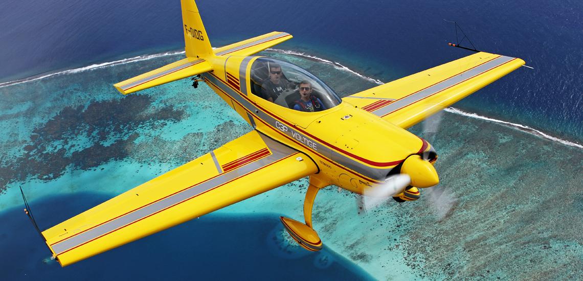 https://tahititourisme.de/wp-content/uploads/2017/08/Extra-200-Aerobatic-Flight-©-C3P.PF_.jpg