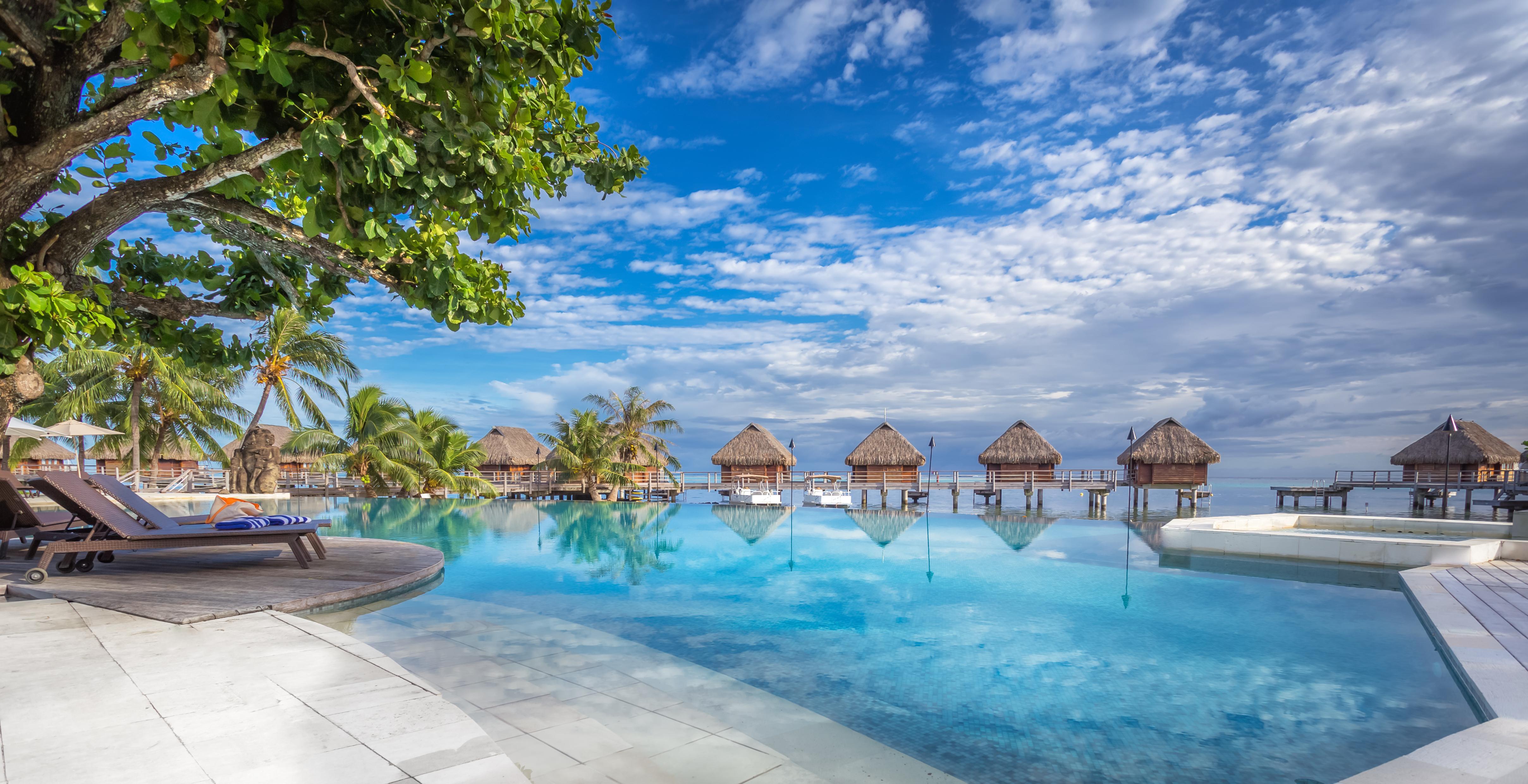 https://tahititourisme.de/wp-content/uploads/2017/08/HEBERGEMENT-Manava-Beach-Resort-and-Spa-Moorea-1-Charles_Veronese.jpg
