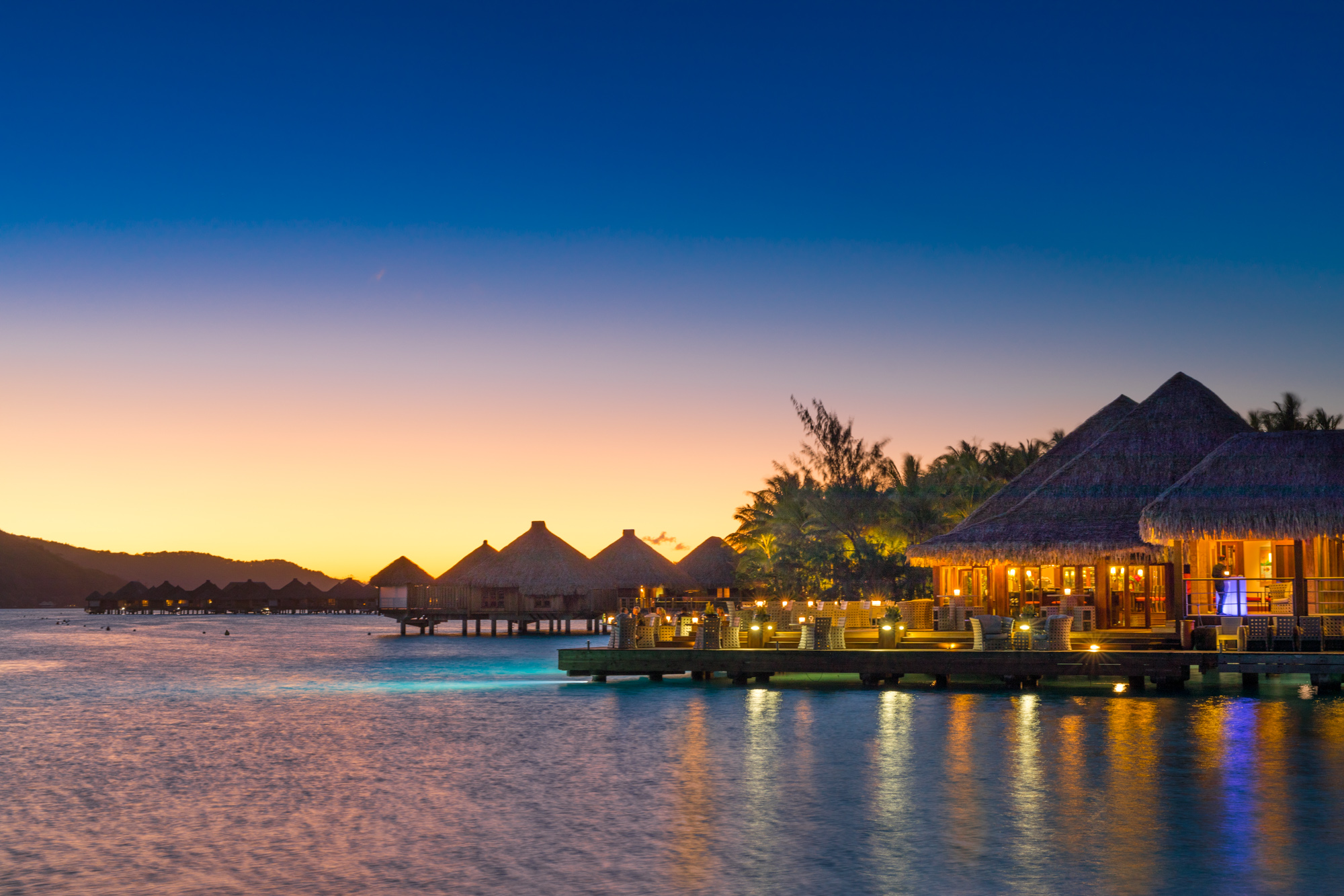 https://tahititourisme.de/wp-content/uploads/2017/08/Lagoon-Restaurant.jpg