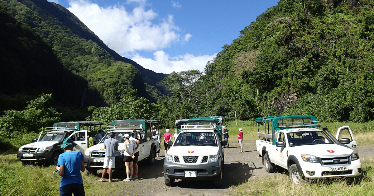 https://tahititourisme.de/wp-content/uploads/2017/08/TahitiSafariExpeditions2_1140x550-min.png