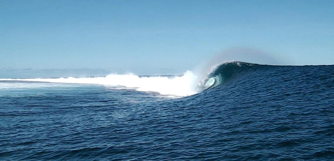 https://tahititourisme.de/wp-content/uploads/2017/08/Tehanis-surf-cool.png