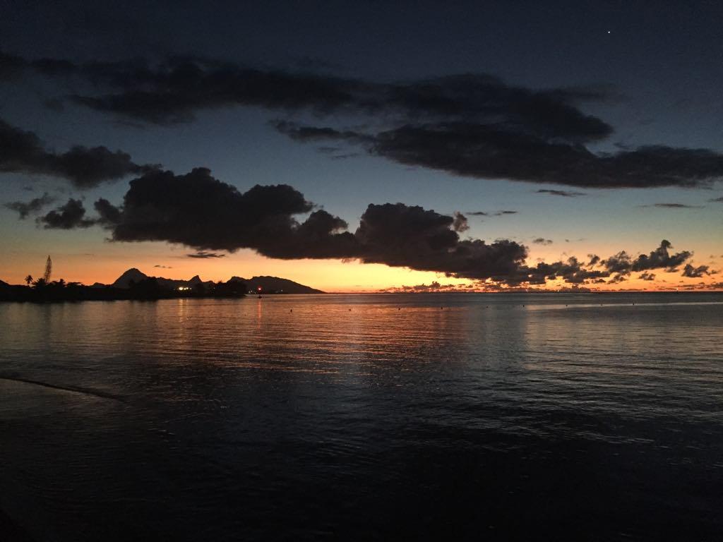 https://tahititourisme.de/wp-content/uploads/2017/09/Mer-coucher-de-soleil.jpg