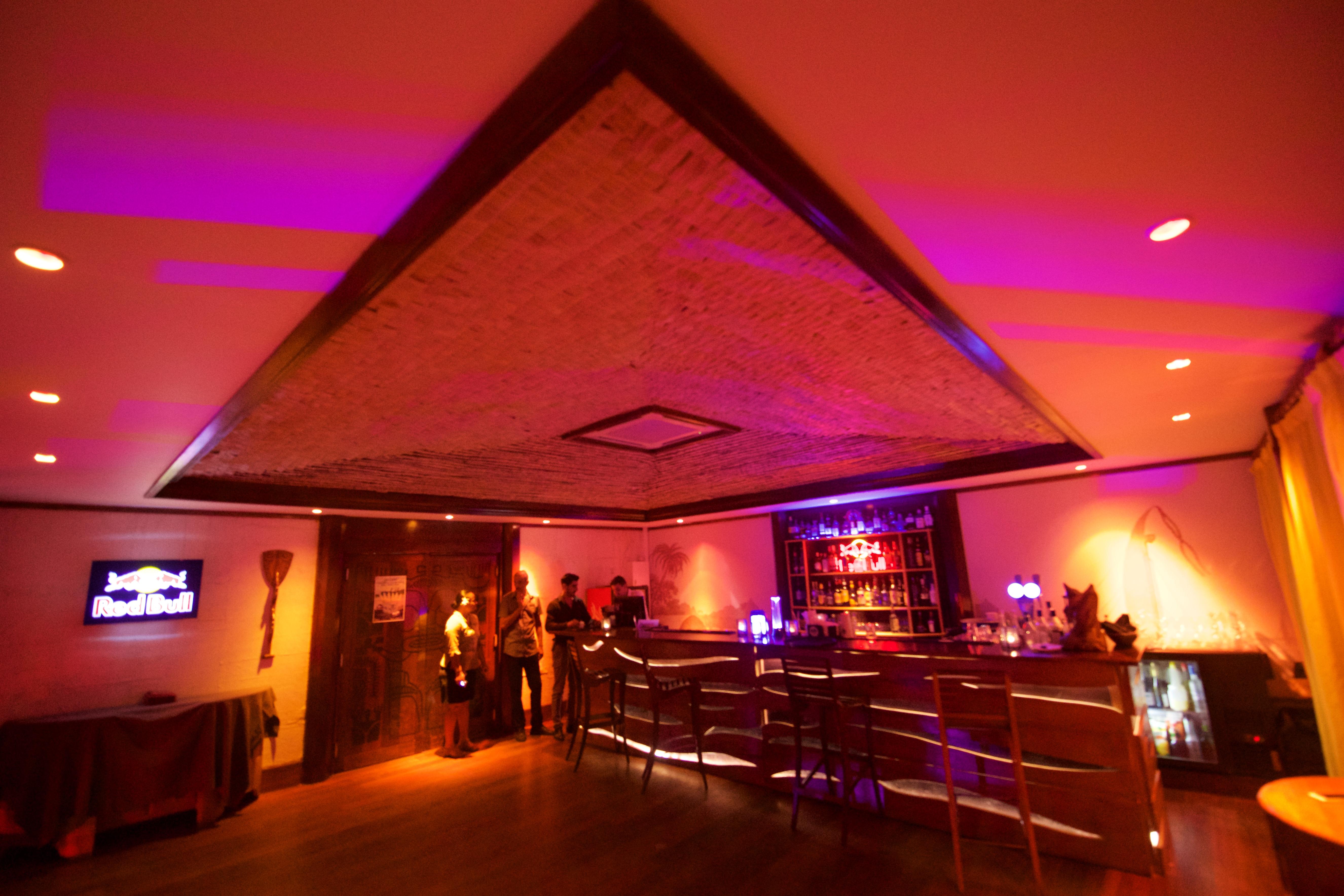 https://tahititourisme.de/wp-content/uploads/2018/03/RESTAURATION-Matahiehani-Lounge-Bar-1-Tim_McKenna.jpg