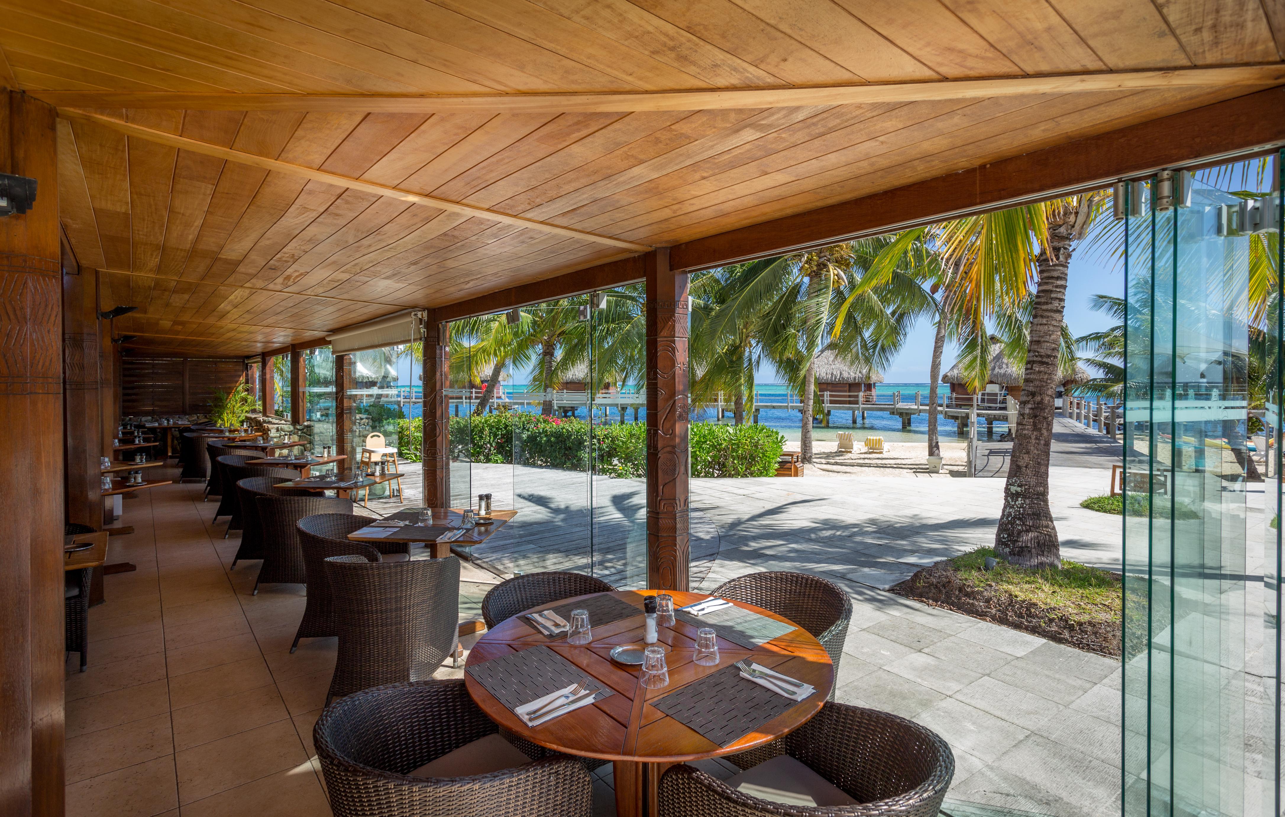 https://tahititourisme.de/wp-content/uploads/2018/03/RESTAURATION-Restaurant-Mahanai-1-Charles_Veronese.jpg