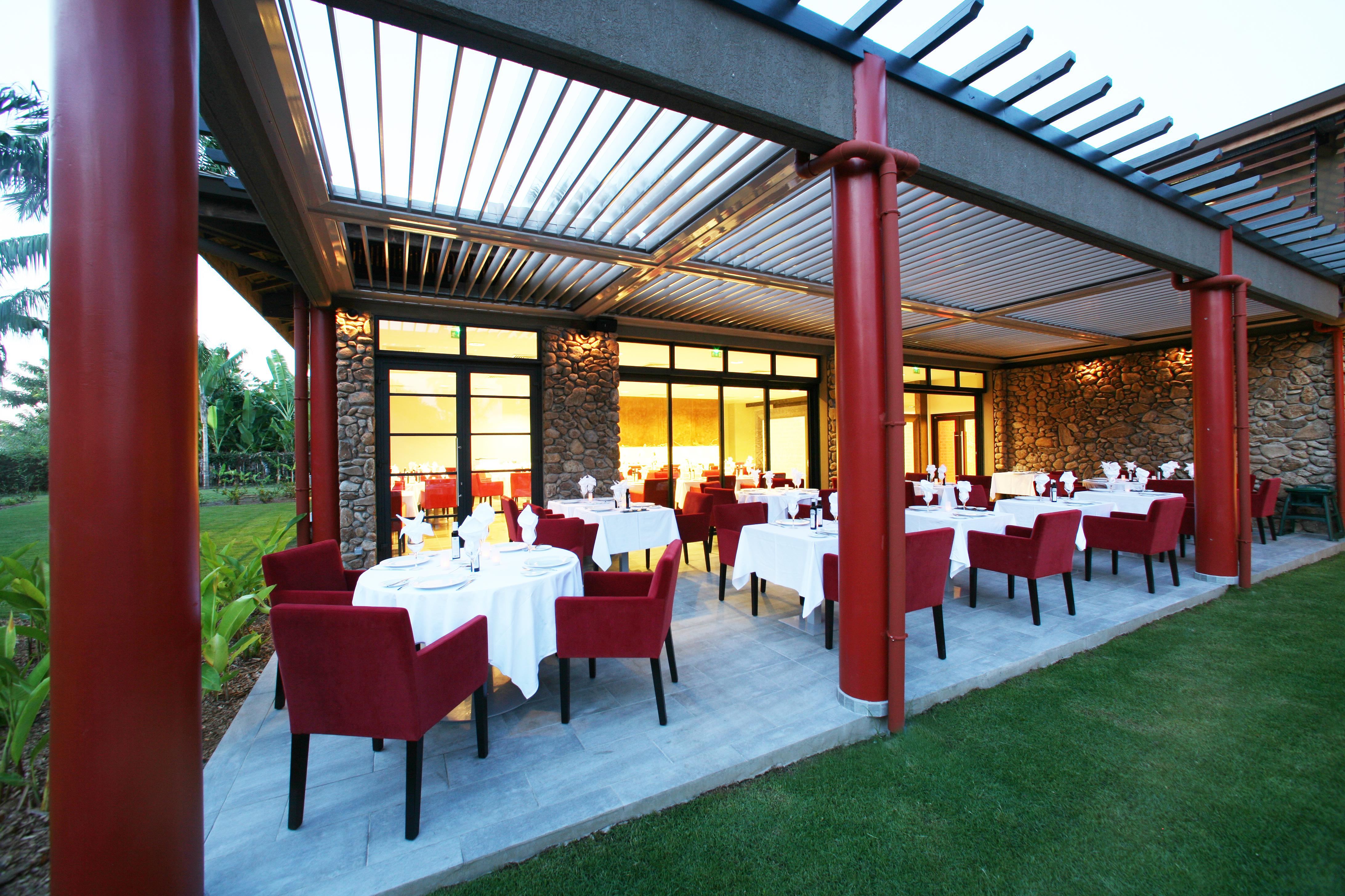 https://tahititourisme.de/wp-content/uploads/2018/03/RESTAURATION-Vaitohi-Restaurant-1.jpg