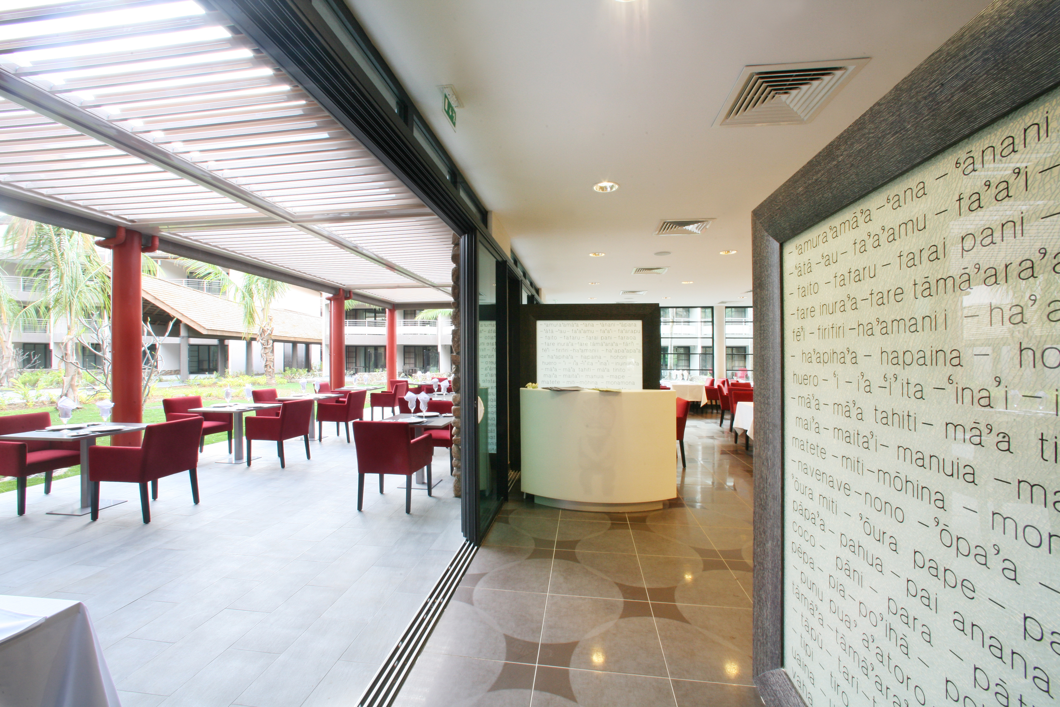 https://tahititourisme.de/wp-content/uploads/2018/03/RESTAURATION-Vaitohi-Restaurant-3.jpg