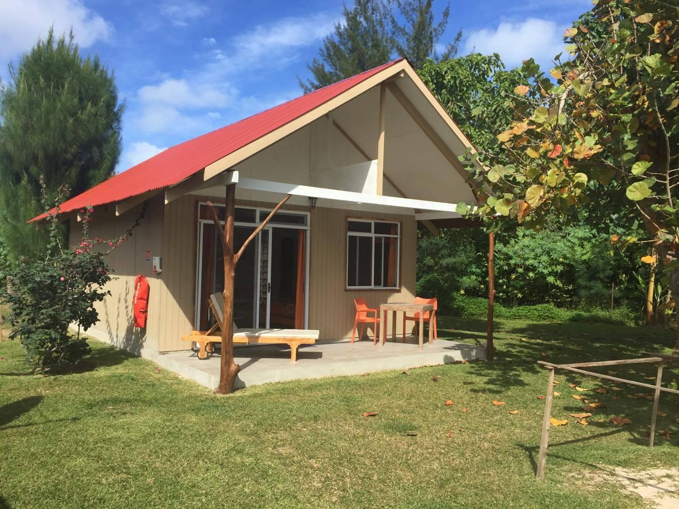 https://tahititourisme.de/wp-content/uploads/2018/07/TUB-Tubuai-Wipa-Lodge_Room_Bungalow-5.jpg