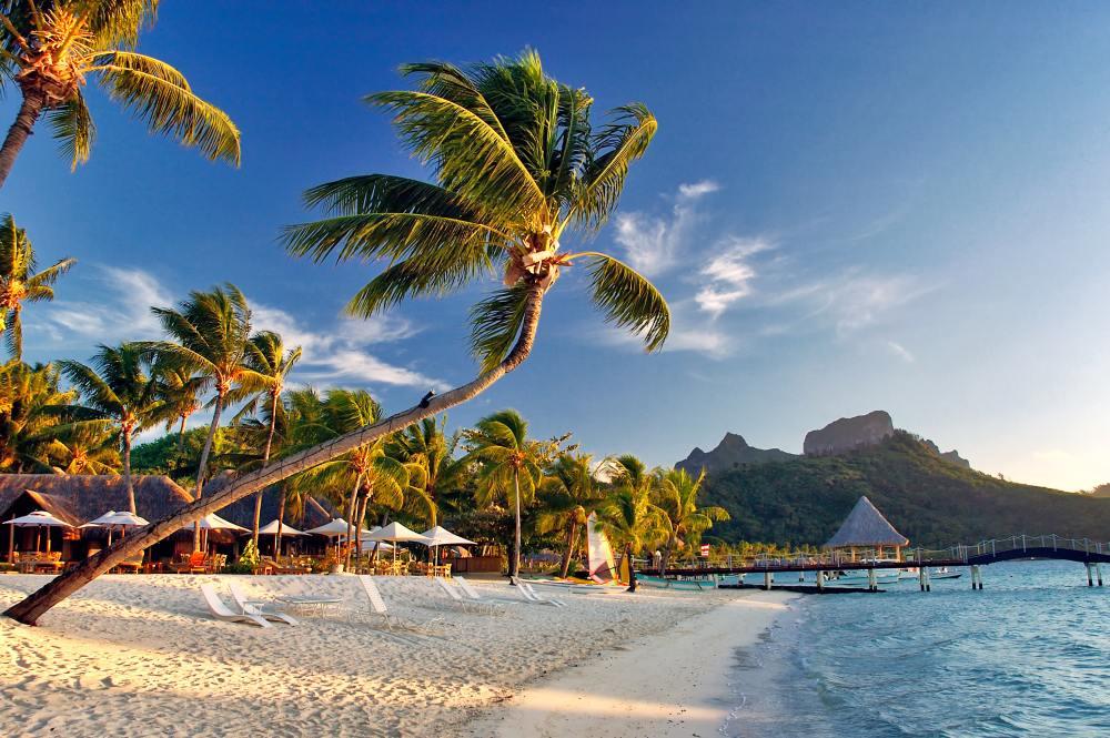 https://tahititourisme.de/wp-content/uploads/2018/11/suedsee-franzoesisch-polynesien-bora-bora-strand-1.jpg