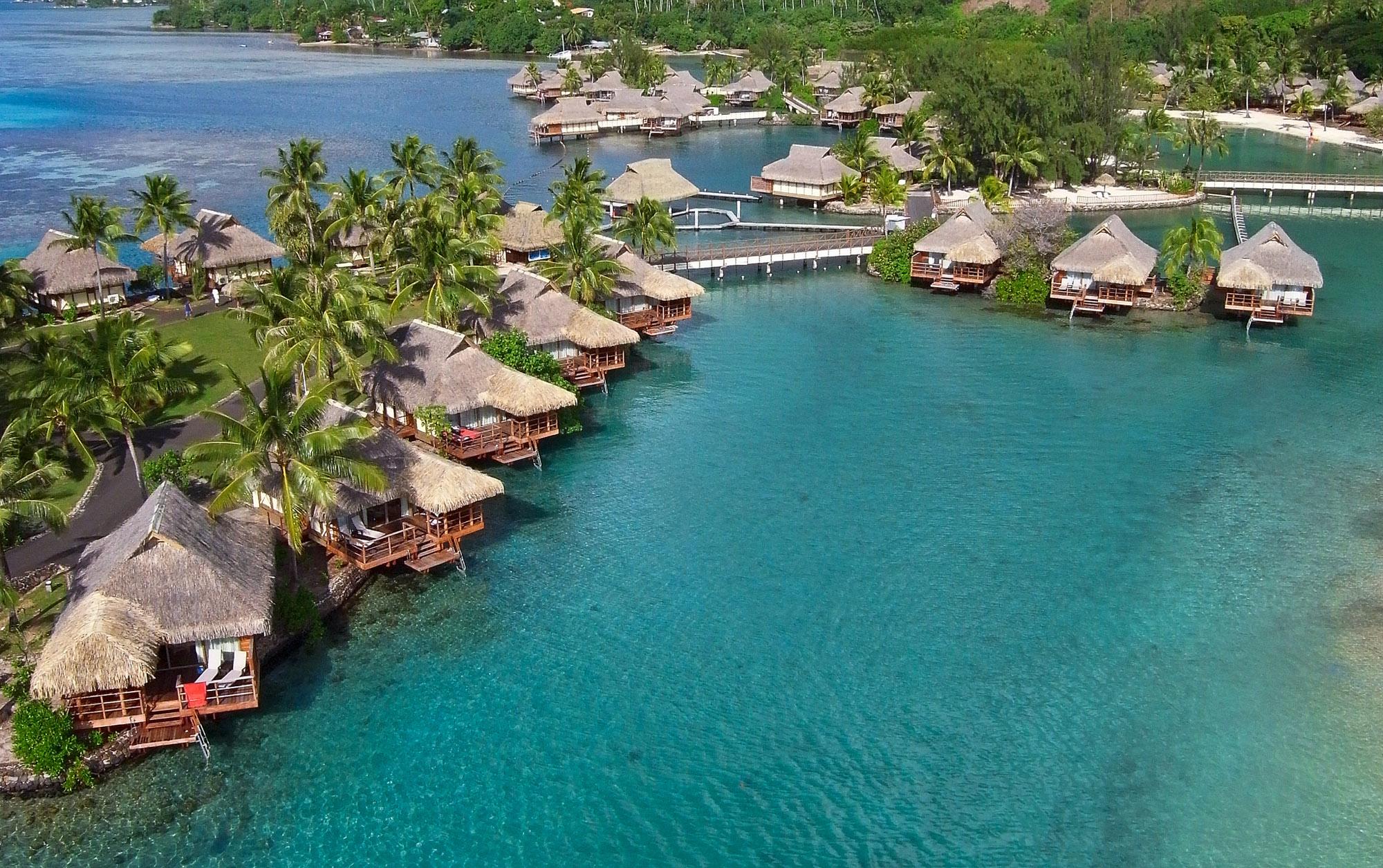 https://tahititourisme.de/wp-content/uploads/2019/04/v-islands-marketing_7044360041_IC-MOOREA-Overwater-bungalow2.jpg