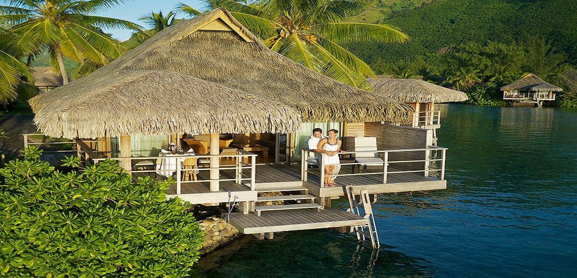 https://tahititourisme.de/wp-content/uploads/2020/06/Overwater-Bungalow_Intercontinental-Moorea©Tekura-Tahiti-Travel.jpg