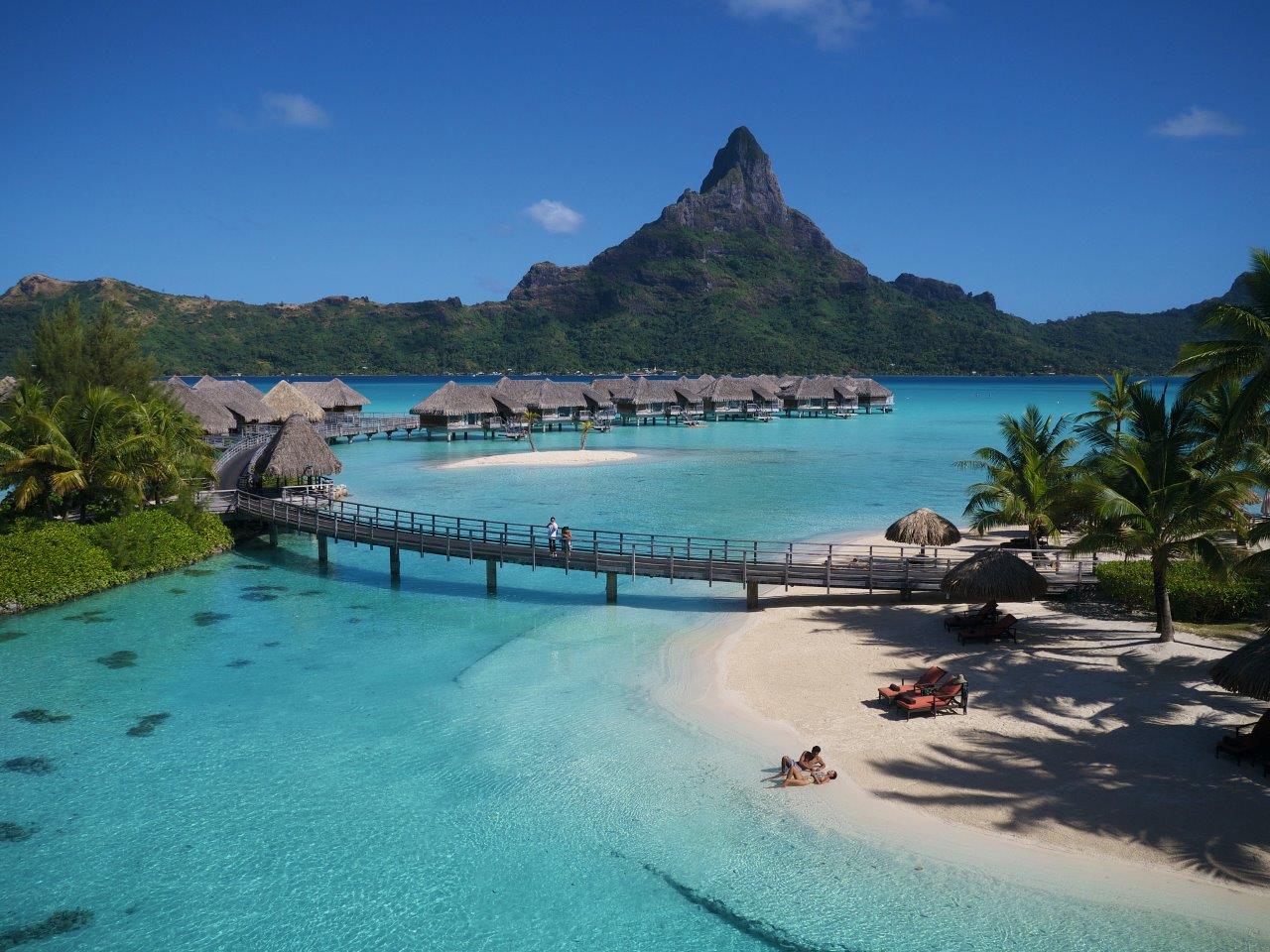 https://tahititourisme.de/wp-content/uploads/2020/07/2-BOB-Intercontinental-Thalasso-beach-2.jpg